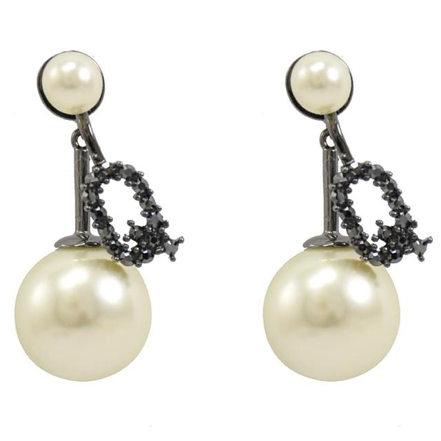 【Dior 迪奧】大珍珠小珍珠Q吊飾造型耳環(黑銅)
