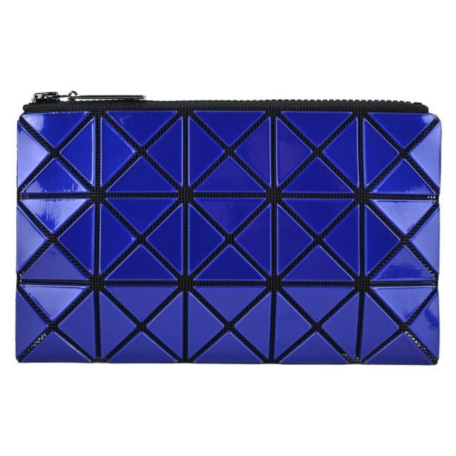 【ISSEY MIYAKE 三宅一生】BAOBAO 幾何亮面3x5手拿包(紫藍)