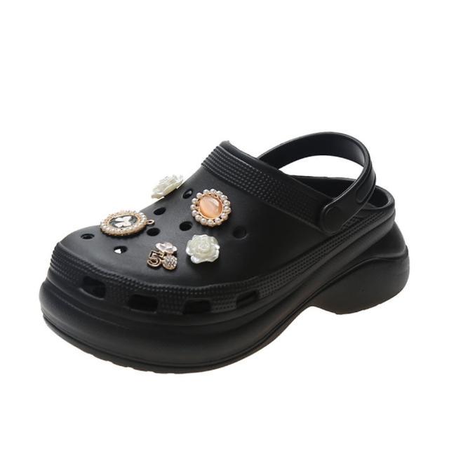【Taroko】典雅珍珠別針洞洞厚底沙灘涼拖鞋(2色可選)