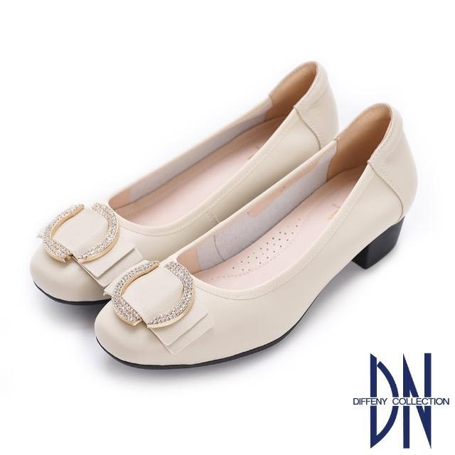 【DN】跟鞋_水鑽裝飾金屬釦真皮低跟鞋(米白)
