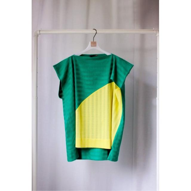 【UUIN】綠黃拼接造型上衣(女裝 純棉 短袖)