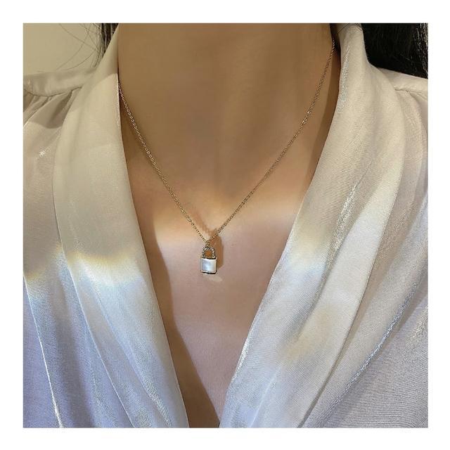 【HaNA 梨花】韓國珍珠光澤感.貝石小鎖頭個性短項鍊