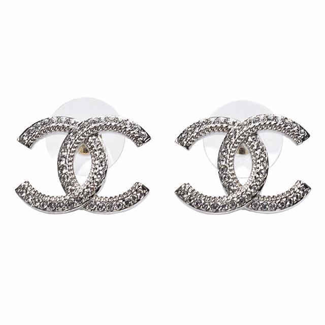 【CHANEL 香奈兒】經典壓邊雙C LOGO水鑽鑲飾造型穿式耳環(銀AB7016-ARG)